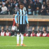 Palmeiras tem interesse em Jean Pyerre. Presidente do Grêmio descarta negociacão.