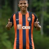 O Palmeiras formalizou a proposta pelo Marquinhos Cipriano e aguarda a resposta do Shakhtar Donestk.